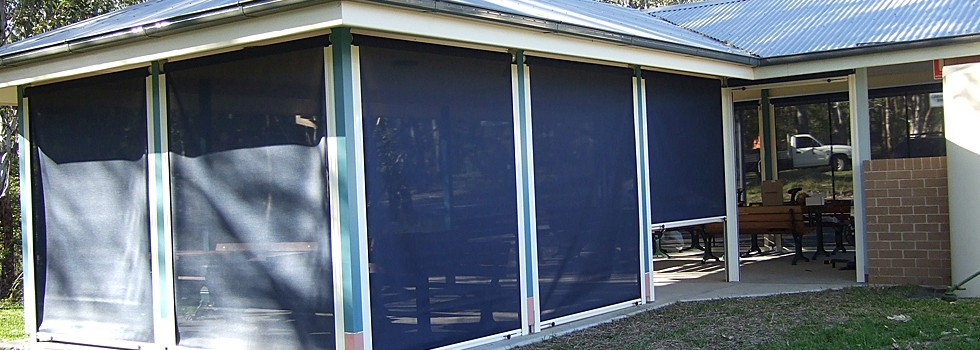 Kwikfynd Clear pvc blinds 3