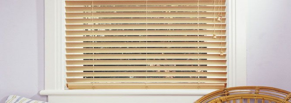 Kwikfynd Fauxwood blinds 6