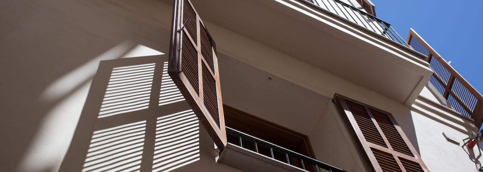 V Blinds Outdoor Roofing Systems Melbourne